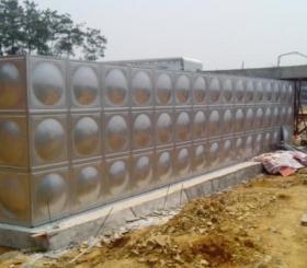 中国事前梵净山温泉小镇二期项目经理部-供水设备、不锈钢保温水箱