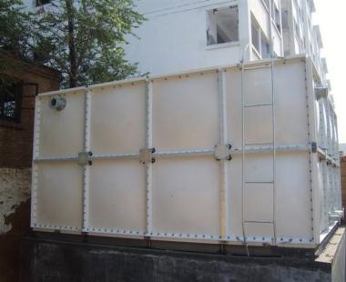 太慈桥升华汽配城——超大玻璃钢水箱
